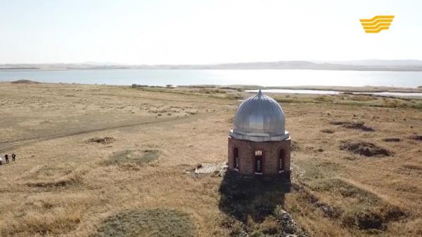 Символы нашей родины: мавзолей Саккулак би