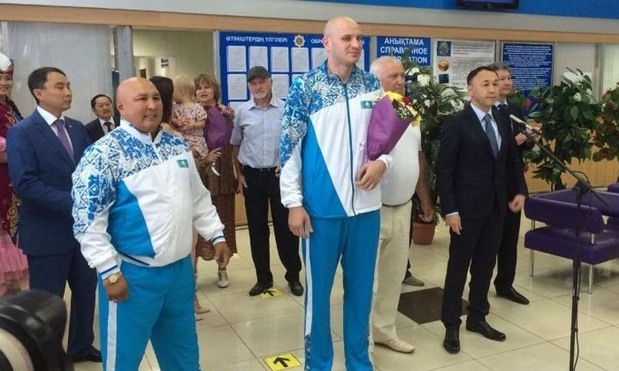 Костанайцы встретили олимпийского призера Ивана Дычко