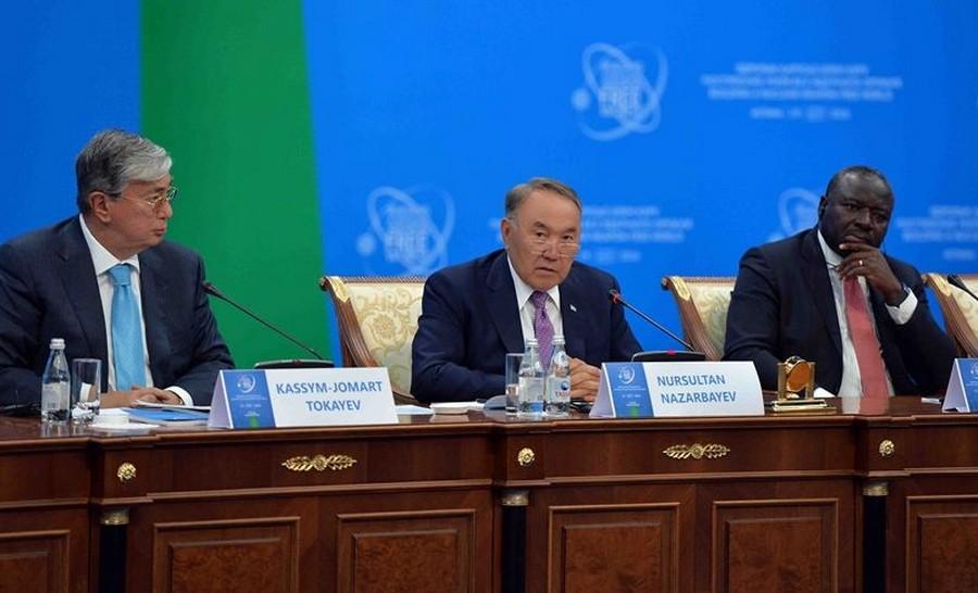 Н.Назарбаев: Мы в Казахстане первыми разрубили этот Гордиев узел