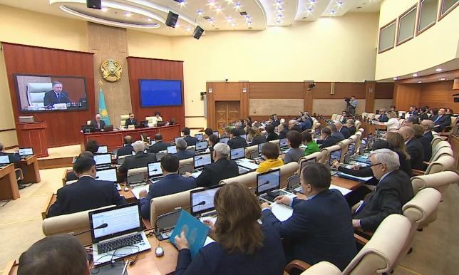 Контроль над деятельностью коллекторов ужесточат в Казахстане