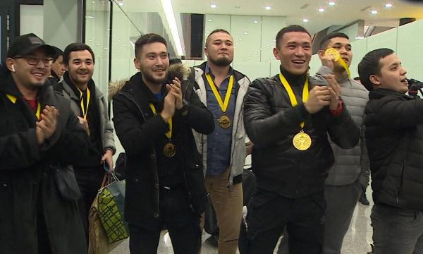 Астаналықтар «Спарта Номад» командасын әуежайда күтіп алды
