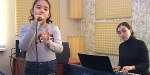 «Junior Eurovision 2018»: 10 жастағы Бинұр Саудабай Филипп Киркоровпен бірге ән айтуды армандайды
