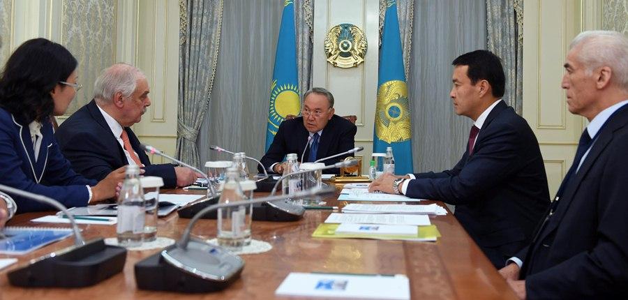 Глава государства провел встречу с руководством АО «Усть-Каменогорский титано-магниевый комбинат»