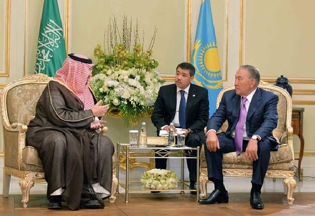 Глава государства провел встречу с вице-президентом компании Amiantit Group принцем Турки бен Мухаммадом бин Фахдом