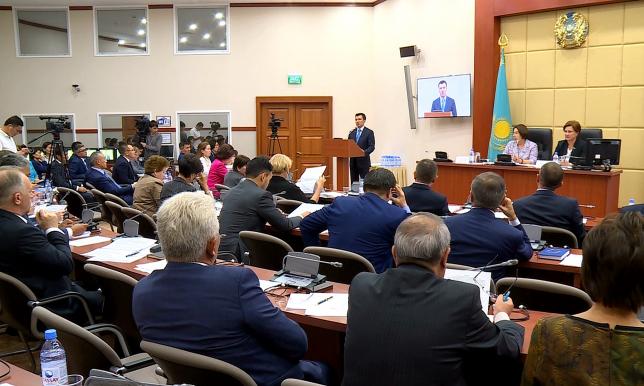 Ұлттық экономика вице-министрі жаңа салық кодексін таныстырды