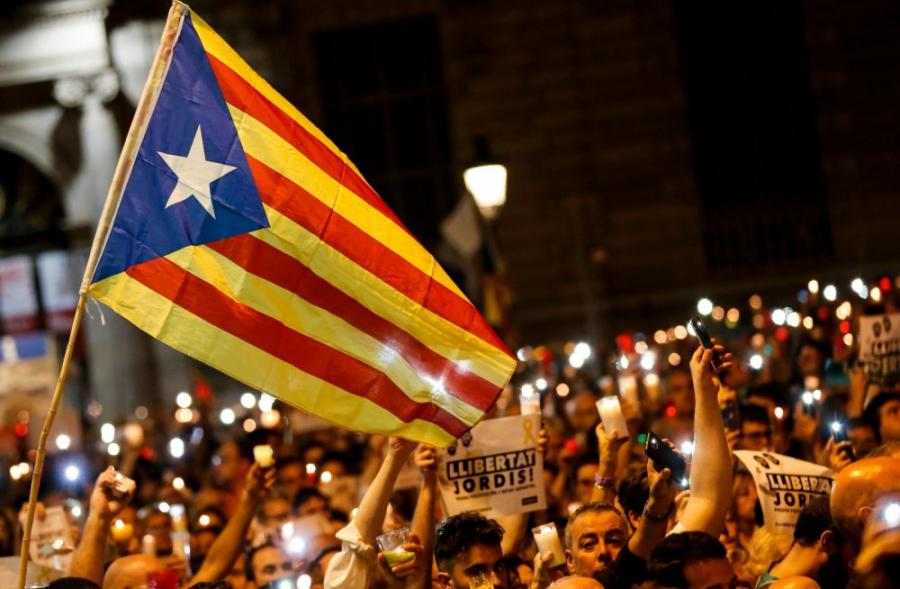 Мадрид решил отстранить от власти правительство Каталонии