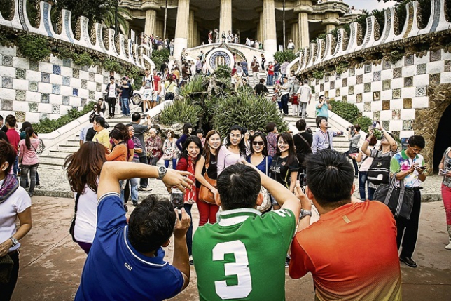 Из-за наплыва туристов жители Барселоны устроили протест