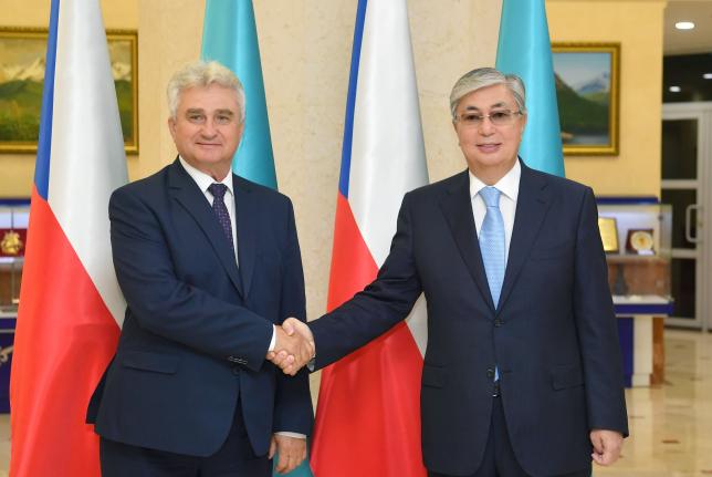 К.Токаев провел встречу со спикером Сената Чехии