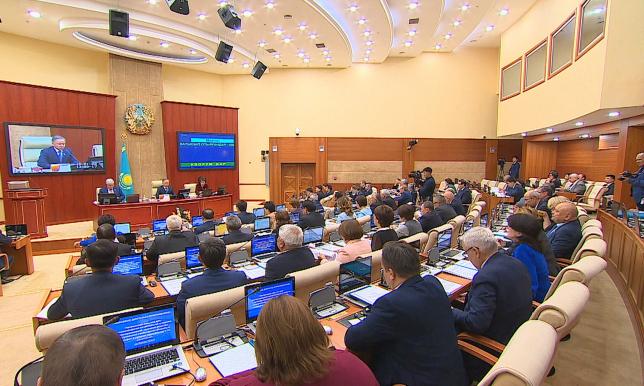 Мажилис одобрил законодательные поправки по вопросам членства Казахстана в АIIB