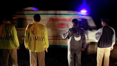 45 человек погибли в результате падения автобуса в Индии