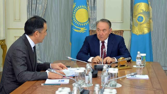 Глава государства провел встречу с Премьер-Министром Бакытжаном Сагинтаевым