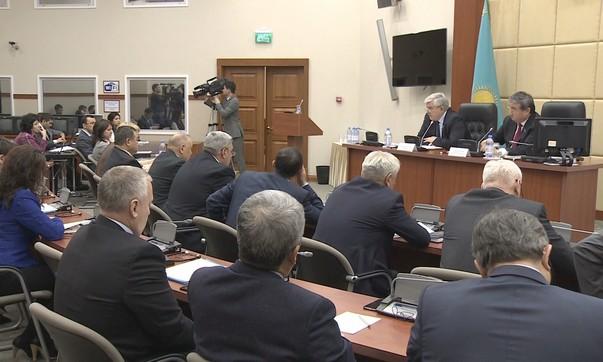 Усилить контроль над квазигосударственной сферой предложили депутаты