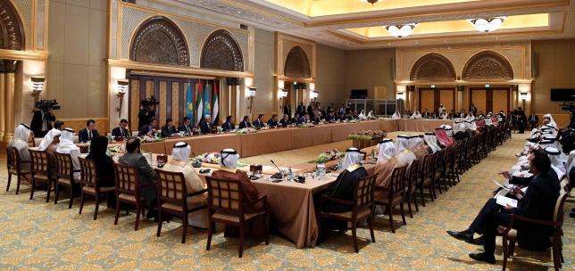 Президент Казахстана встретился с представителями деловых кругов ОАЭ