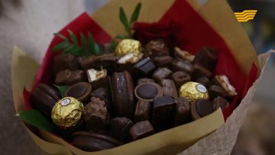 Шоколадтан жасалған гүл шоғы