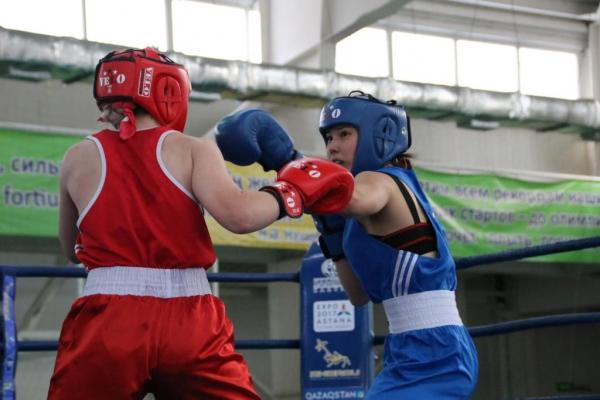 В Алматы определились чемпионки страны по боксу