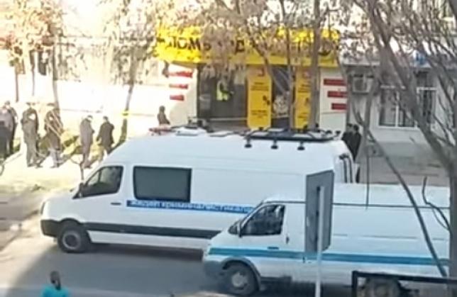 В Шымкенте неизвестный совершил вооруженное нападение на сотрудницу ломбарда