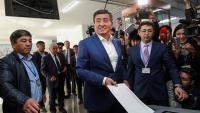 Кандидат от правящей партии С.Жээнбеков лидирует на выборах президента Кыргызстана