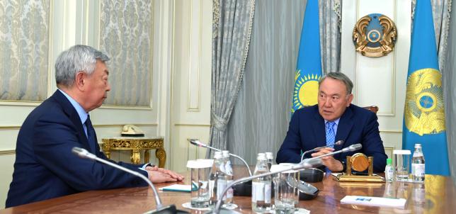 Н.Назарбаев встретился с сенатором Абыкаевым