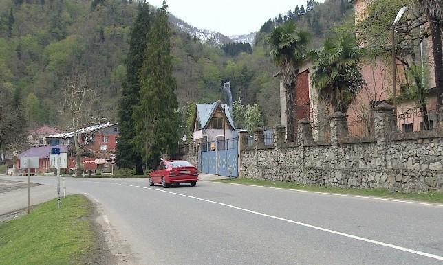 150 казахстанцев не могут вылететь домой из Грузии