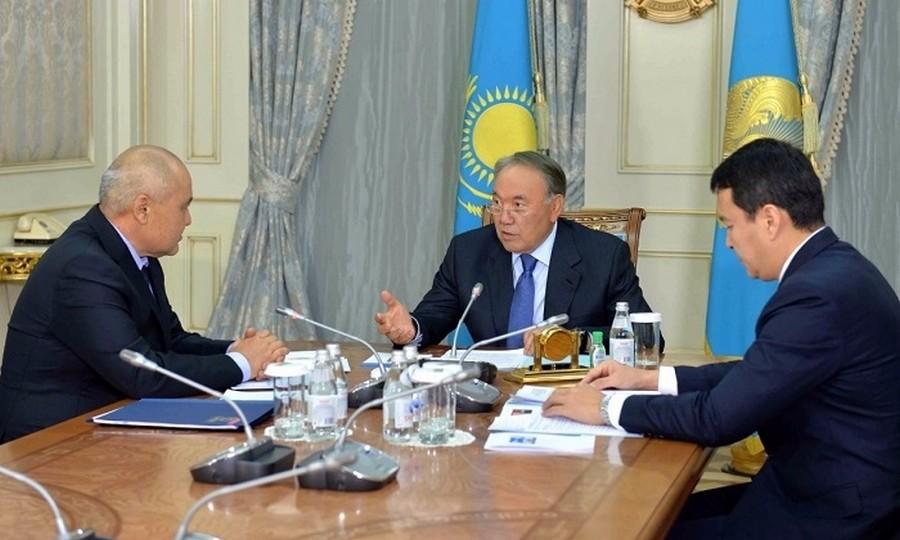 Глава государства провел встречу с председателем правления АО «ФНБ «Самрук-Казына» У.Шукеевым