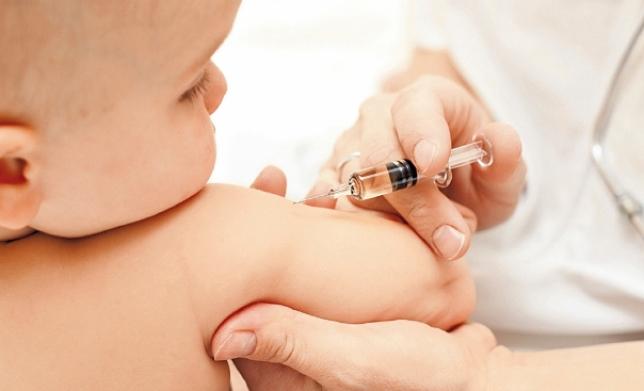 В Караганде растет число отказов от вакцинации детей