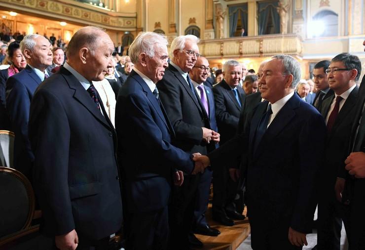 Глава государства принял участие в торжественной сессии общего собрания НАН РК