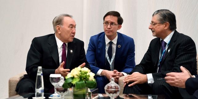 Глава государства провел встречу с гендиректором IRENA Аднаном Амином