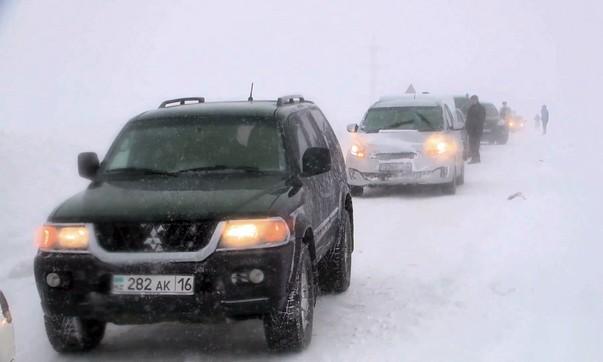 В ВКО с заснеженных трасс эвакуировали 220 человек