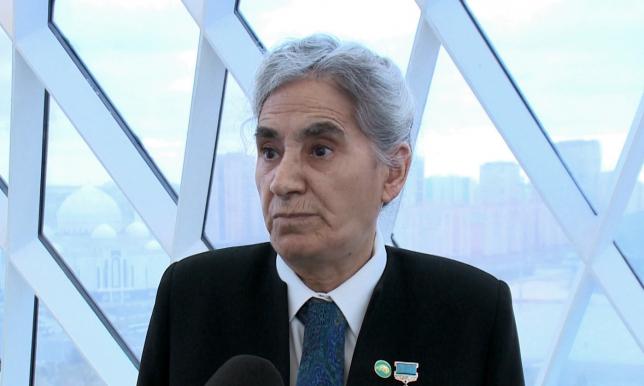 Представители общественности поддерживают переход казахского языка на латинскую графику