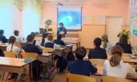 Учителя смогут выставлять оценки через смартфоны