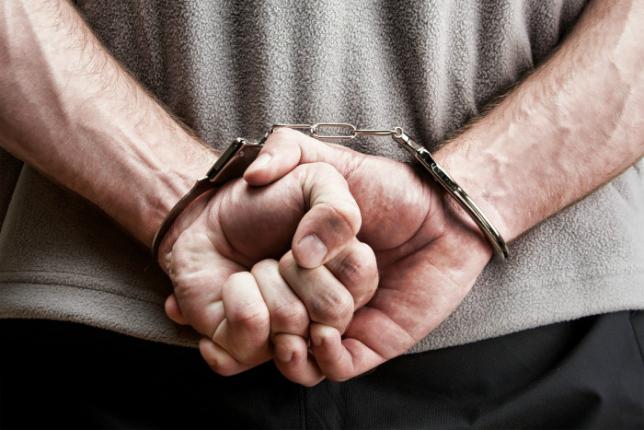 При получении взятки в размере 50 тысяч долларов задержан директор АО «Казавиаспас»