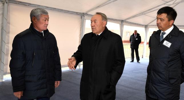 Президент РК ознакомился с реализацией проекта по программе «Нұрлы жер» в Актобе