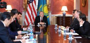Глава государства встретился с президентом Корпорации по зарубежным частным инвестициям в США