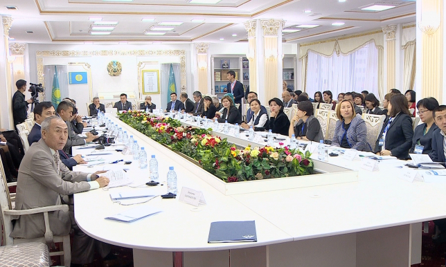 Модернизация 3.0: на казахский язык переведены первые 18 учебников