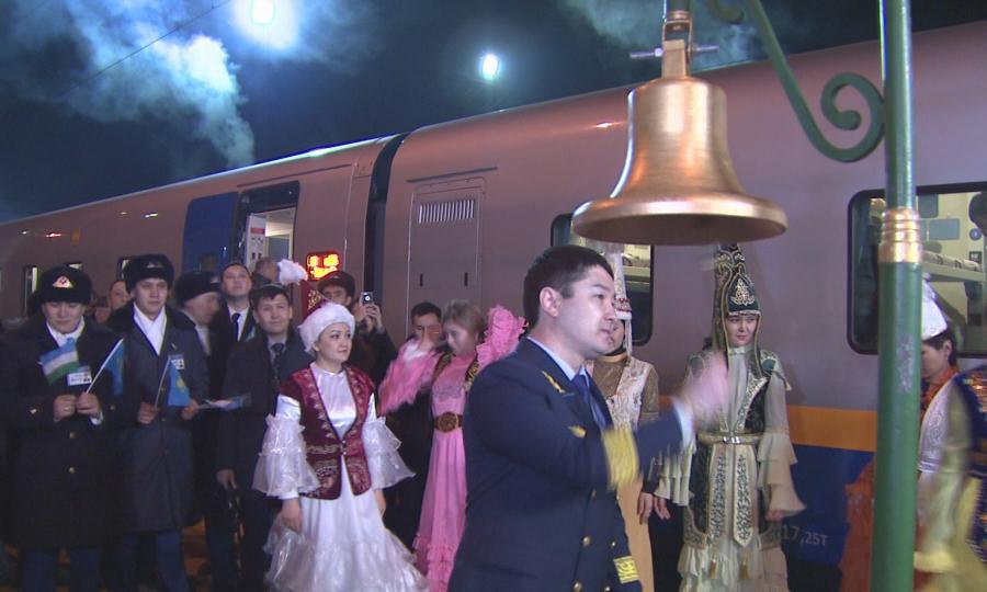 Первый поезд сообщением  Алматы - Ташкент - Алматы перевез больше 600 пассажиров