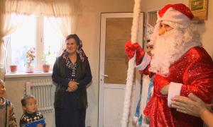 Актауские полицейские подарили детям новогоднее чудо