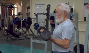 74 жастағы көкшетаулық қария Сеулде кір тасын көтеруден чемпион атанды