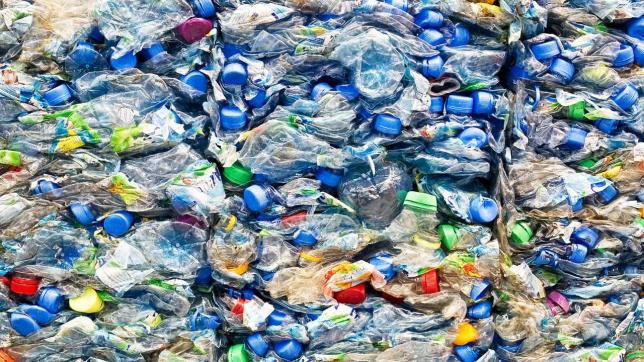 Атыраулық кәсіпкер пластикалық қалдықтардан өнім шығармақшы