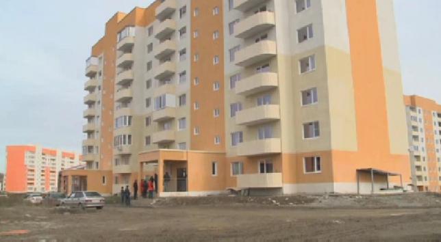 Жители новостроек в Усть-Каменогорске недовольны качеством квартир