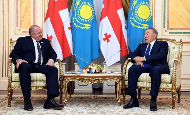 Глава государства провел встречу с Президентом Грузии