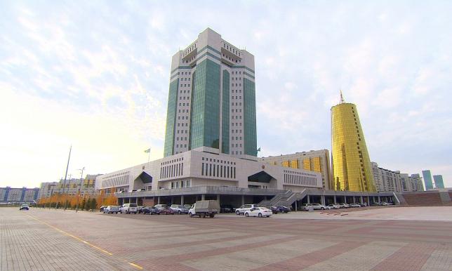 Депутаты партии «Нұр Отан» рассмотрят ход реализации программы «Нұрлы Жол»