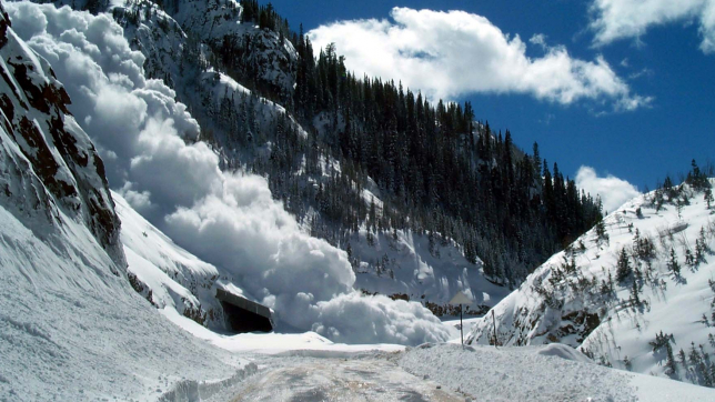 В Алматинской области сохраняется опасность схода снежных лавин