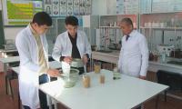 Студент из Шымкента выработал электричество из рисовой шелухи