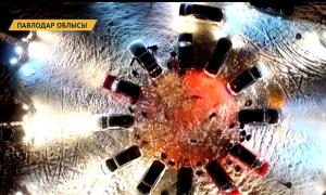Павлодар жастары Жаңа жыл мерекесіне орай көліктер шеруін ұйымдастырды