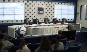 ВЦИОМ: Н.Назарбаев и А.Лукашенко пользуются у россиян наибольшим доверием