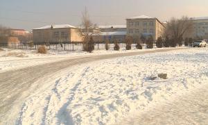 В большинстве школ Алматинской области для учащихся начальных классов отменены занятия