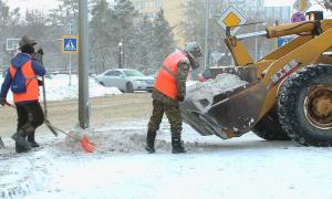 Павлодар завалило снегом