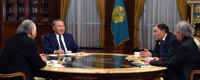Президент РК провел встречу с представителями творческой интеллигенции Казахстана