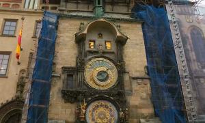 Астрономические часы в Праге остановят для ремонта