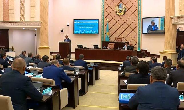 В Сенате РК проходят парламентские слушания по вопросам образования